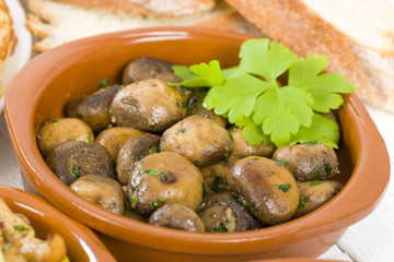 Setas al Ajillo - Sauteed mushrooms with garlic. Spanish Tapas