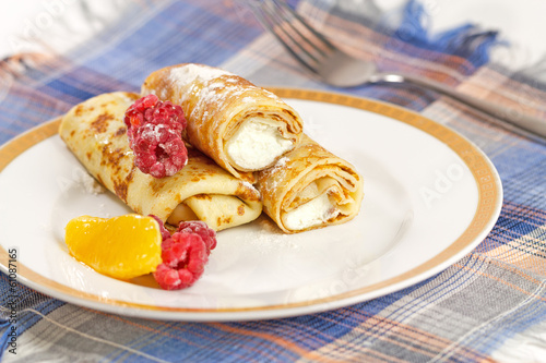 Pancakes with cottage cheese.