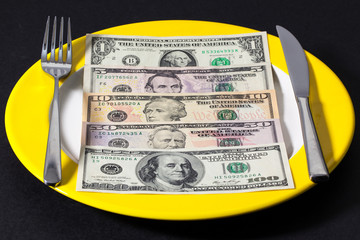 The plate with money