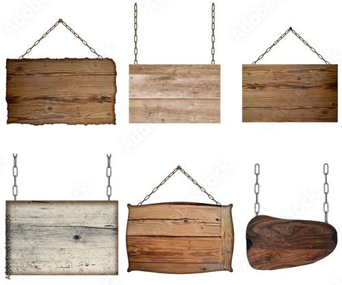 Tuinposter Hout verschiedene Holzschilder an Ketten