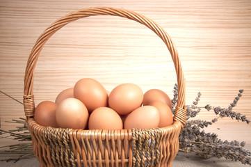 Cesta de huevos frontal.