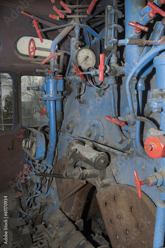 Mainline locomotive firebox and controls