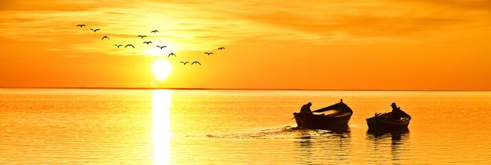 pasando el tiempo libre en el mar