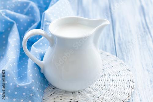 Milk - 61189375