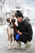 ragazza con cane felici
