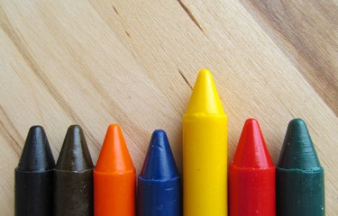 la crayola amarillo
