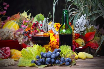 Rotwein am Herbstabend