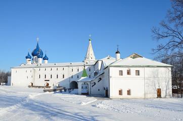 Кремль в Суздале зимой. Золотое кольцо России.
