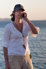 Donna che telefona