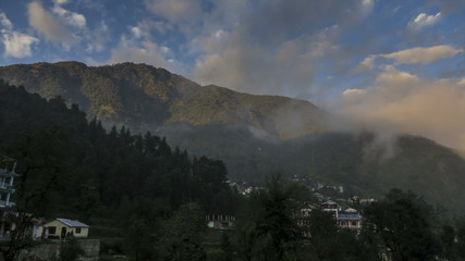 Daramkhot village misty clouds time lapse