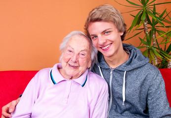 Großmutter mit Urenkel