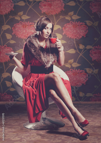 red dressed 5 / drinking coffee