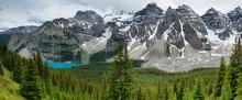 Widok na panoramę jeziora morenowe, Park Narodowy Banff