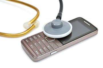 Мобильный телефон и фонендоскоп. Прослушивание телефона