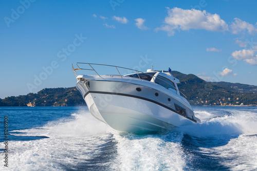Staande foto Jacht motor boat