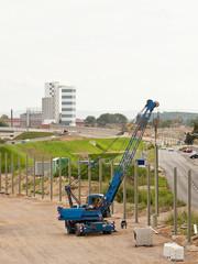 Montage von Stahlträgern für eine Lärmschutzwand