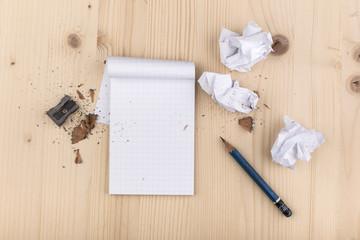 blocco note con matita