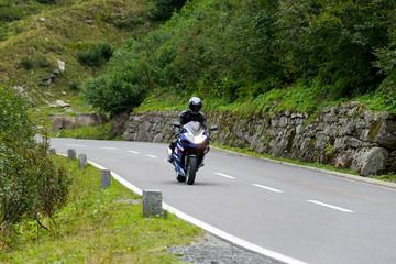 Motorradfahrerer auf der Silvretta-Hochalpenstraße