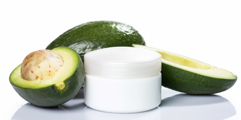 Avocado and moisturizer cream
