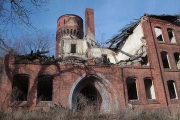 Ruine der Turmkaserne der einstigen Jüterboger Artillerieschule