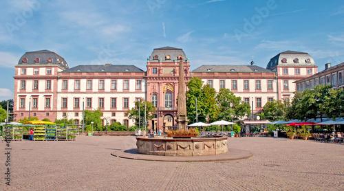Leinwanddruck Bild Das barocke  Darmstädter Stadtschloss