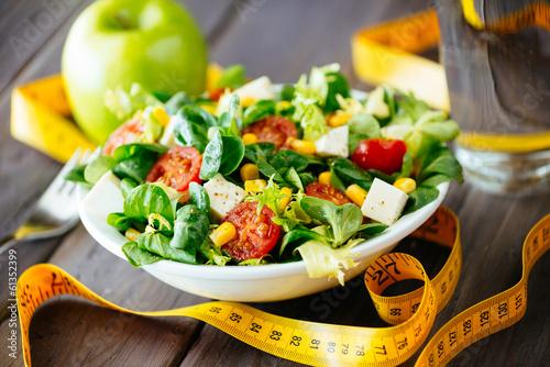 Keuken foto achterwand Voorgerecht Fitness healthy salad