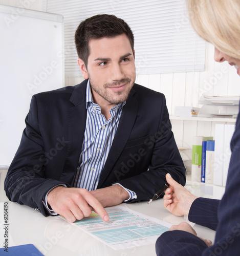 Einstellung eines neuen Mitarbeiters: Ausfüllen Personalbogen