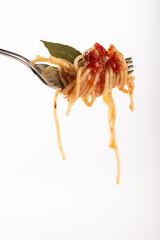 Spaghetti con tomate