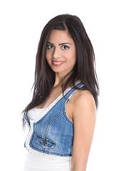 Junge indische Frau lachend isoliert mit lange Haare