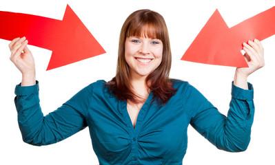 Selbstbewusste Frau präsentiert sich selbst