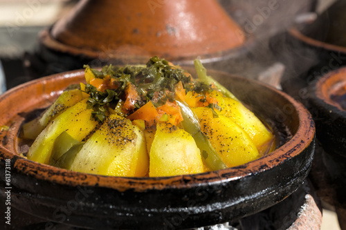 canvas print picture Vegetarische Tajine (Tagine) in Marokko