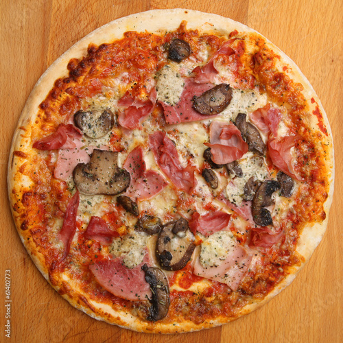 Pizza with Ham & Mushrooms