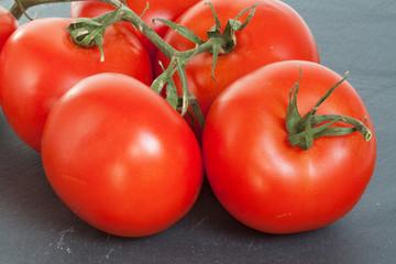 Tomates sur ardoise