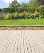 canvas print picture - Gartenterrasse mit Mauer