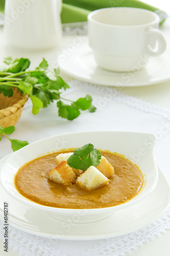 Lentil soup with curry.