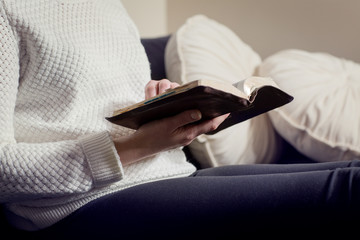 Women Reading the Bible