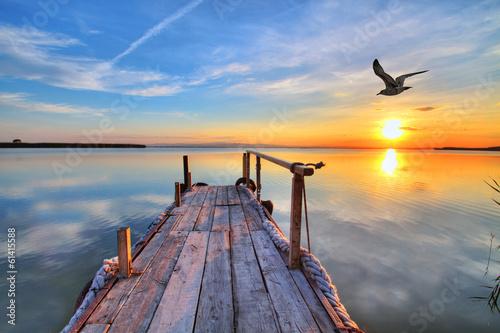amanece en el lago de los sueños - 61415588