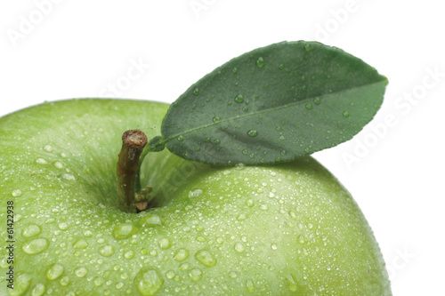 Green apple, isolated on white background.