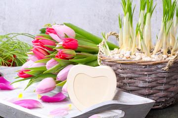 Tulpen und Herz zum Beschriften