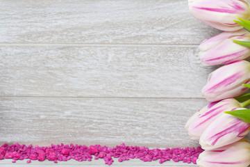 Grußkarte mit Tulpen und Streudeko