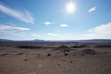 Dune e deserto di sabbia e pietre in islanda