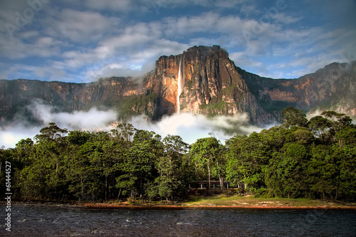 Deurstickers Watervallen Angel Falls in the morning light