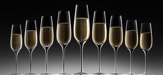 9 Champagnergläser