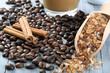 caffe in chicchi con cannella e zucchero