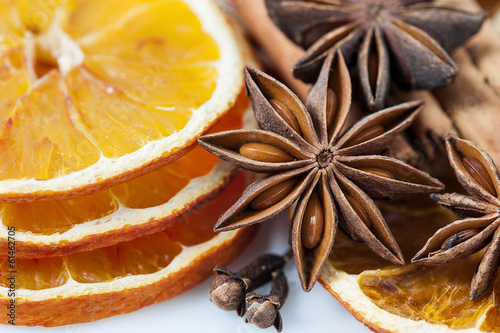 Orange slices and anise stars
