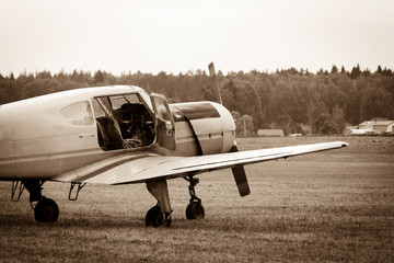 piston training aircraft on the ground