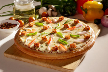 Fresh Cottage cheese chicken pizza.