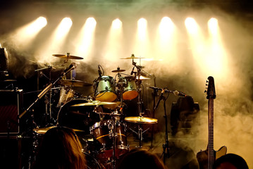 Music Instruments, Drums/Guitar on stage © DWP