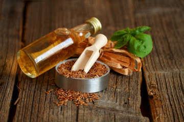 Dried linseed with macerated oil