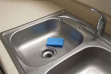 Stainless Steel Kitchen Sink With Sponge